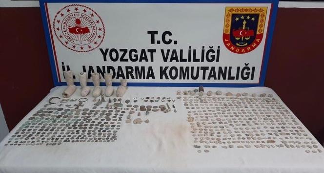 YOZGAT'TA 665 PARÇA TARİHİ ESER DAHA ELE GEÇİRİLDİ