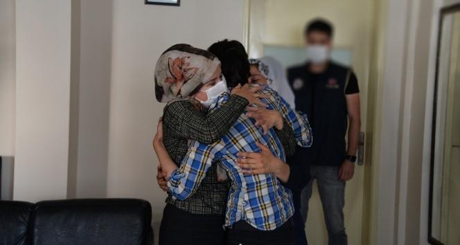 Şırnak'ta ikna çalışması sonucu teslim olan terörist ailesi ile buluşturuldu