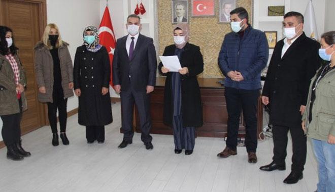 AK PARTİ'Lİ HANIMLARDAN EŞ ZAMANLI KADINA ŞİDDET TOPLANTISI