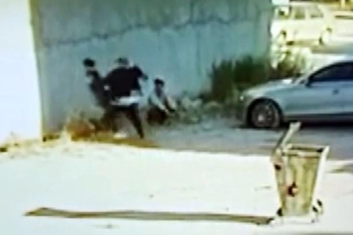 Kız kardeşinin videosunda gördüğü çocuğu öldüresiye dövdü